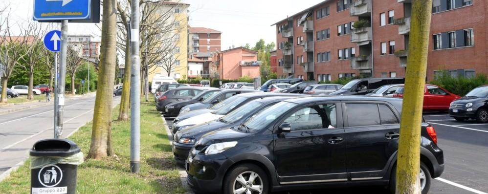 Bergamo, nei quartieri Zone disco e pass per i residenti. Si parte dal Villaggio degli Sposi
