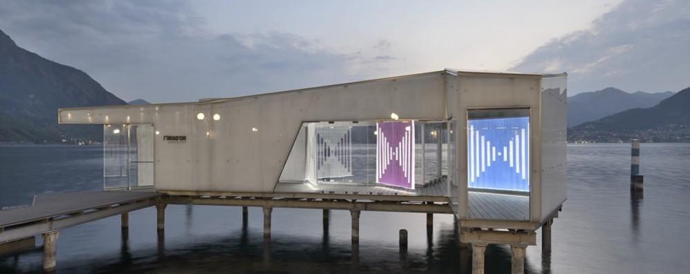 Il Mirad'Or si illumina, a Pisogne l'arte di Daniel Buren - Foto