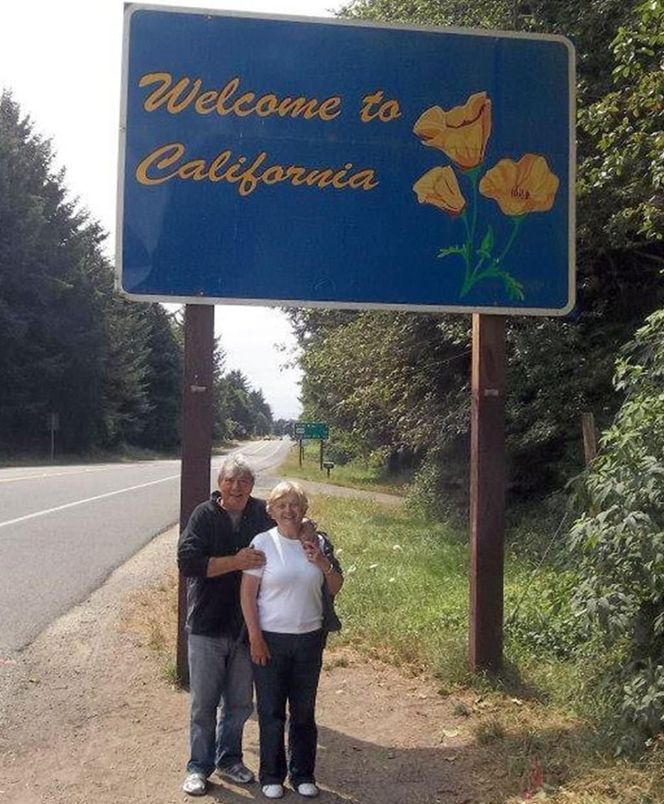 I coniugi Salvi durante alcuni dei loro viaggi con i quali, in motorhome, hanno attraversato tutti gli Stati Uniti;