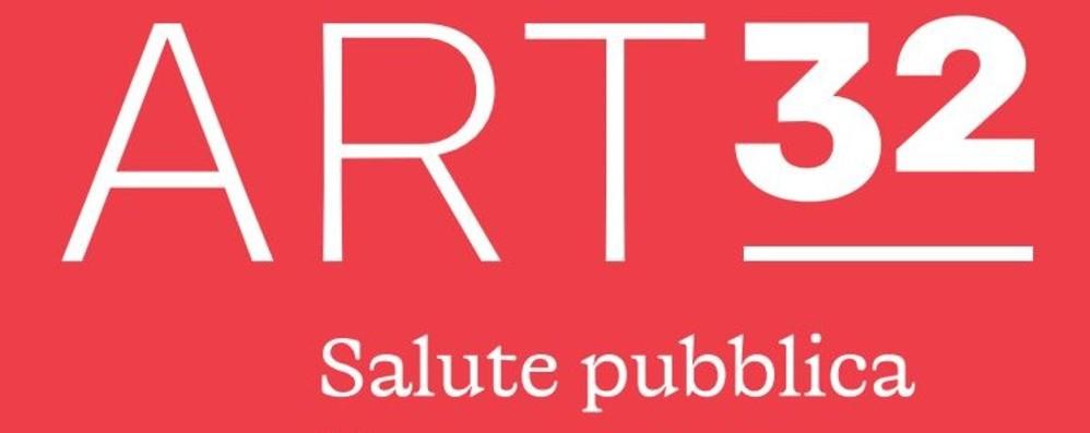 Le opere di 40 grafici «invadono» la città. È Art32: «Salute pubblica, bene comune»