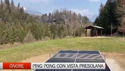 Onore, un tavolo da ping pong sotto la Presolana