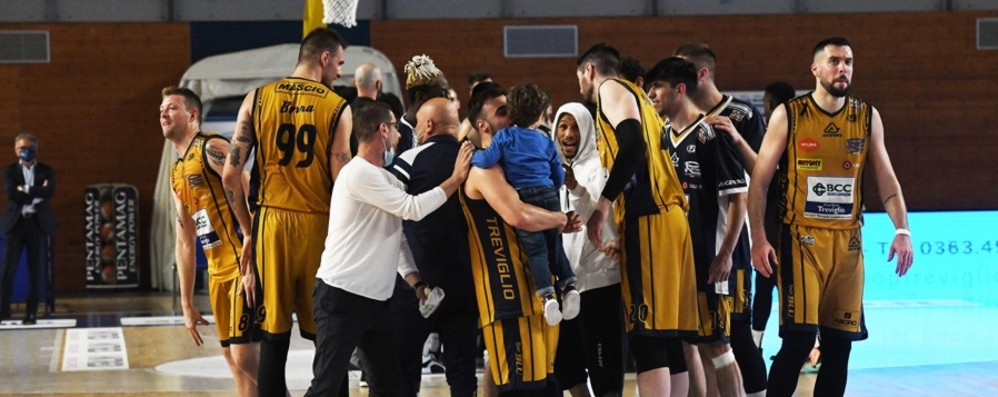 Basket di A2, Treviglio e Bergamo vincono nell'esordio alle fasi finali della stagione