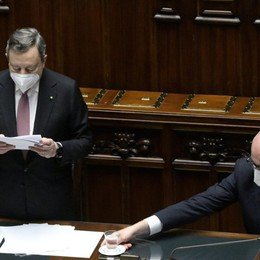 Draghi mette i politici con le spalle al muro