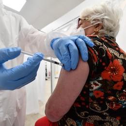 In un giorno oltre 13 mila vaccinazioni in Bergamasca. Moratti: in Lombardia 100 mila in 24 ore
