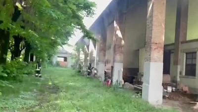 Incendio in un cascinale abbandonato a Cavernago