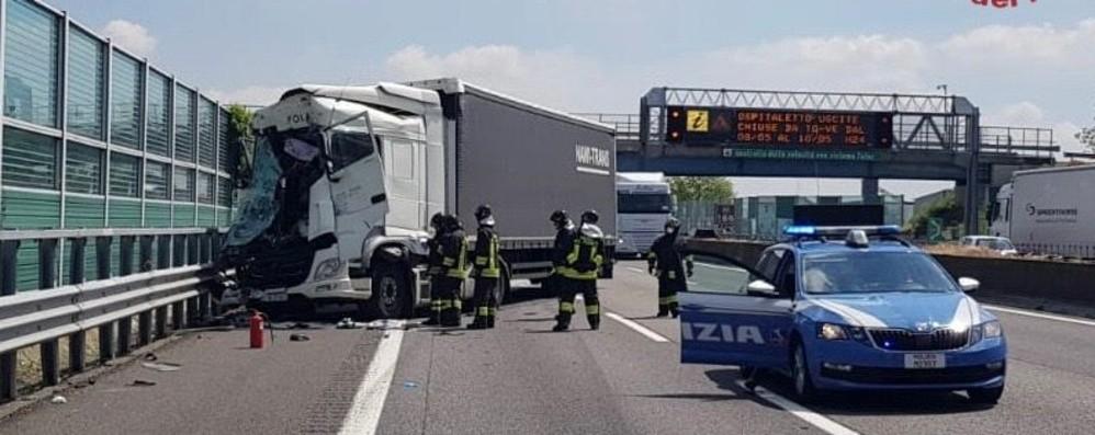 Incidente tra mezzi pesanti in A4. Nessun ferito, ma lunghe code tra Pontoglio e Grumello