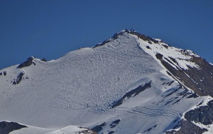 Malore fatale mentre fa scialpinismo, 52enne di Piario lascia moglie due figli