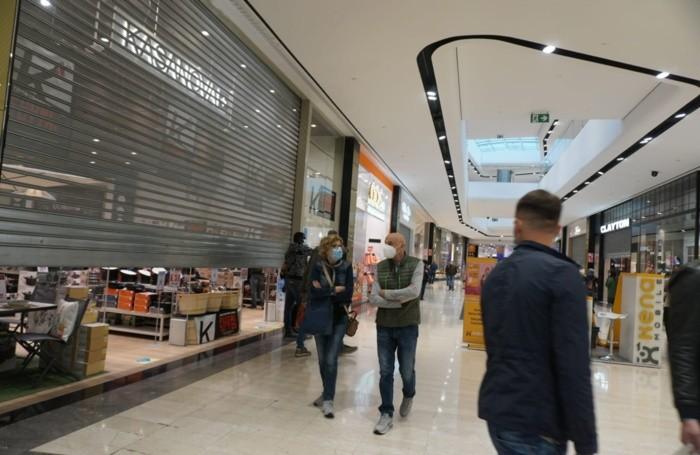 La protesta dei centri commerciali
