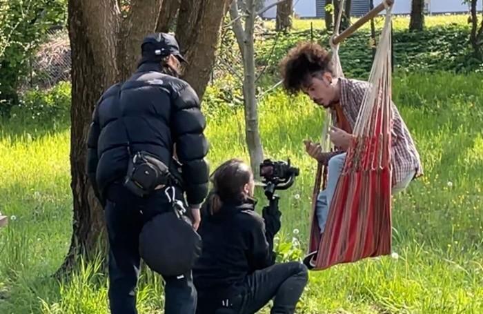 Shorty durante le riprese a Cascina Yuva a Seriate