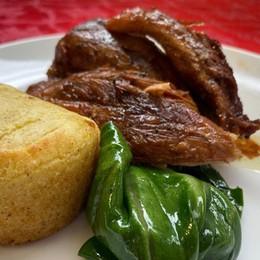 Stinco di maiale con tortino di patate