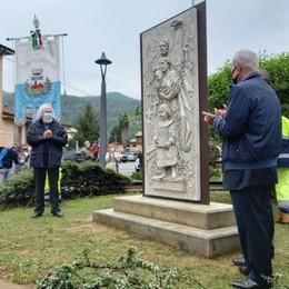 Una scultura di Franco Travi per ricordare le vittime del covid a Cisano Bergamasco