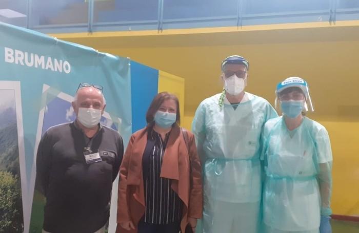 Stasi  a Sant'Omobono con il responsabile amministrativo Alfio Regazzoni (a sinistra) e i coniugi infermieri Raffaello Baitelli e Nelly Rota