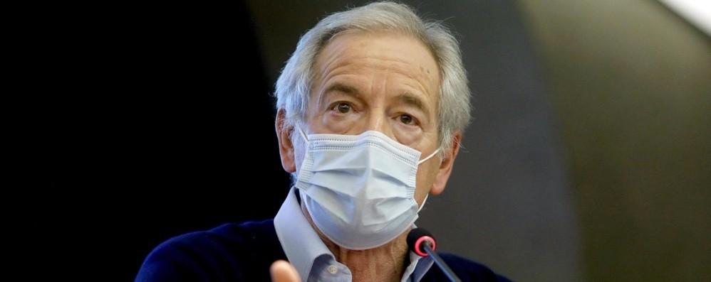 Vaccino anti Covid, Bertolaso: «A fine maggio le prenotazioni per gli under 50»