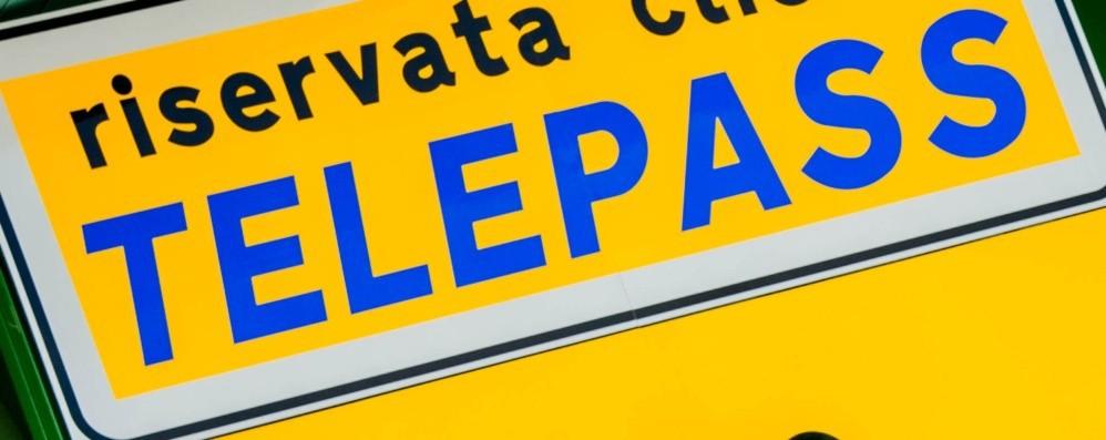 Bergamo, il parcheggio di via Bono si paga anche con il Telepass