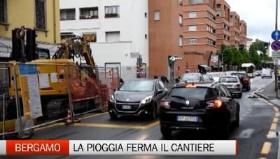 Bergamo: lavori fermi in via Corridoni per la pioggia