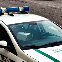 Con la droga sul tram: 30enne scoperto dal cane poliziotto che fiuta l'hashish