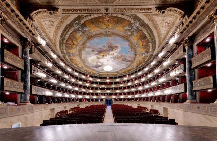 Interni del Teatro Donizetti restaurato