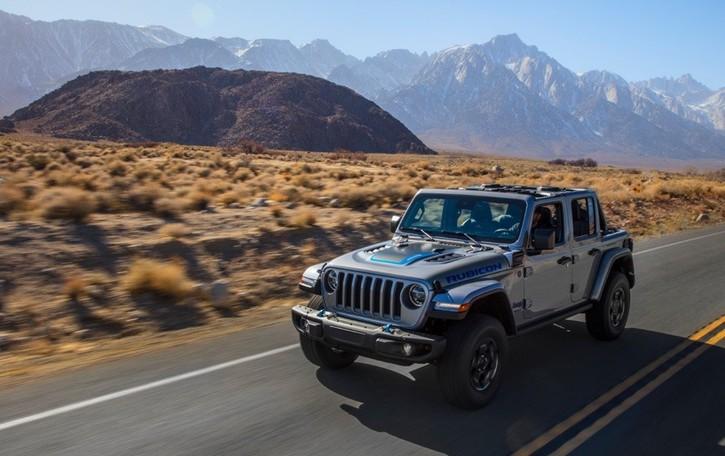 Jeep Wrangler 4xe l'off-road elettrico