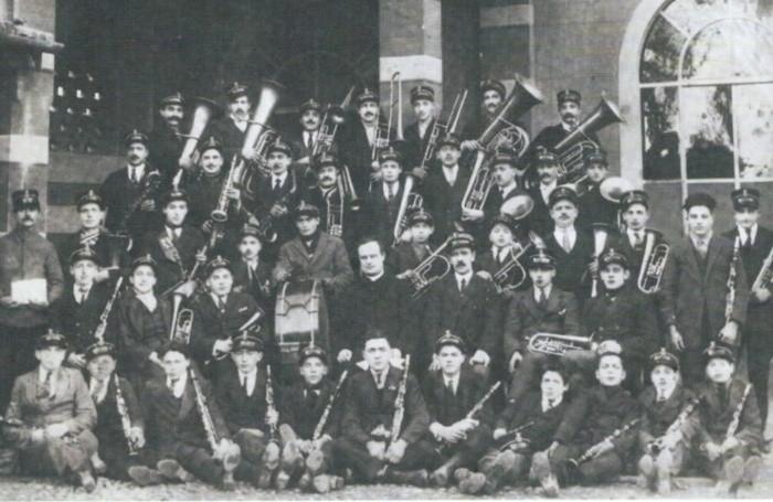 Una foto storica della banda parrocchiale di Urgnano