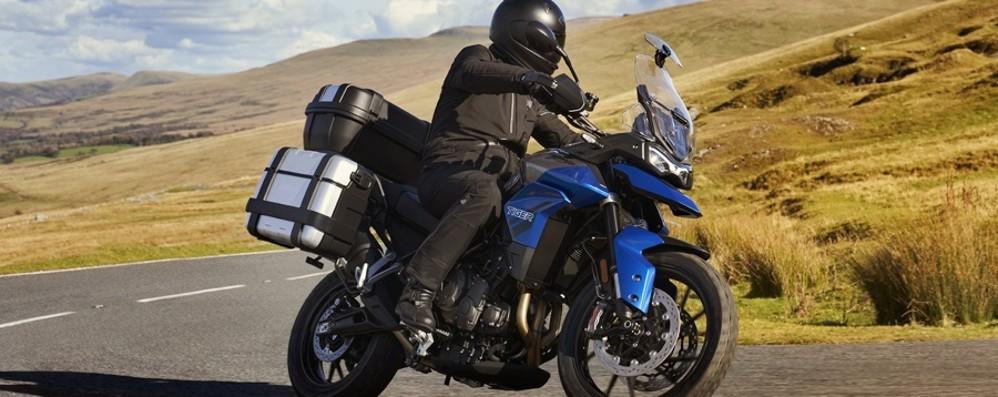 Triumph, dal 7 maggio test ride potenziati per festeggiare l'apertura di 11 nuovi punti vendita: il tour parte dalla Bergamasca