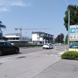Urgnano, grave scontro tra auto e moto: feriti due giovanissimi