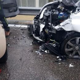 Scontro tra due auto a Villongo, ferite tre donne
