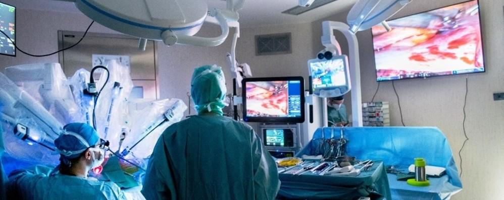 Humanitas Gavazzeni: cardiochirurgia robotica, intervento a 1200 km di distanza