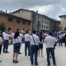 A Palazzago i funerali di Rota Martir Sul feretro bandiere di Italia e Sudafrica