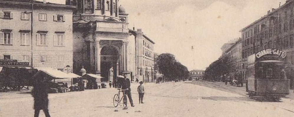 A passeggio tra Porta Nuova e la stazione, oltre un secolo fa