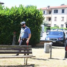 Baby gang adesca e rapina con un coltello un 19enne: arrestati tre minori a Pontirolo