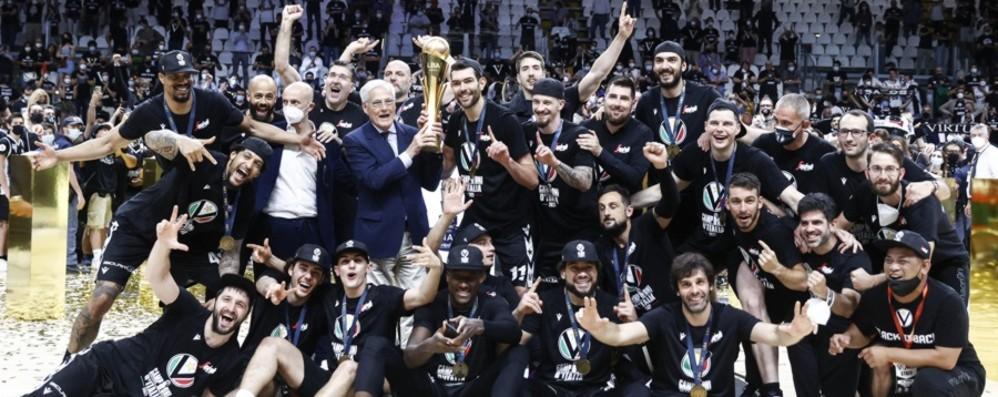 Basket, lo scudetto tricolore di Bologna fa esultare il bergamasco Flavio Carera