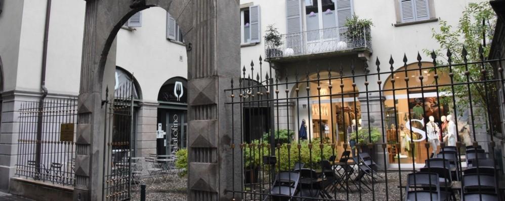 Bergamo, in via Sant'Orsola prove di rilancio: food e nuovi orari