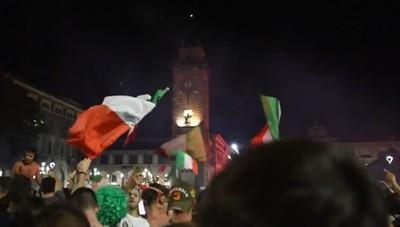 Bergamo, la festa per la vittoria dell'Italia agli Europei