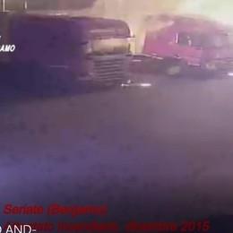 Camion incendiati a Seriate, condanne di 12, 9 e 8 anni per i tre accusati