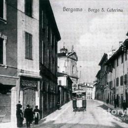 Cartolina dal passato: Borgo Santa Caterina, un secolo in un lampo