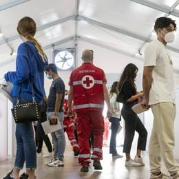 Covid: in Lombardia tasso di positività sale all'1.3%, un morto. A Bergamo 8 nuovi casi