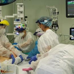 Covid, Lorini : «In terapia intensiva solo pazienti non immunizzati»