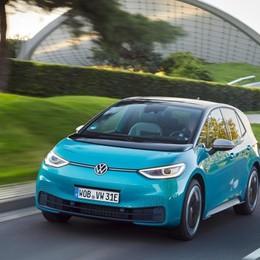 Elettriche ID.3 e ID.4, Volkswagen ridisegna l'offerta