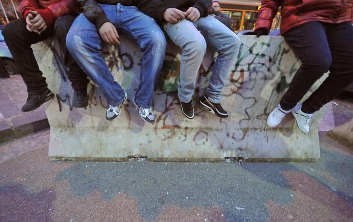I sindaci: «È allarme risse e vandalismi». E i Comuni si rivolgono ai vigilantes
