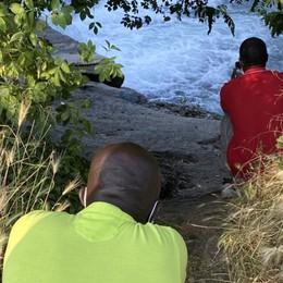 Ibrahima annega a soli 17 anni davanti al fratello e agli amici
