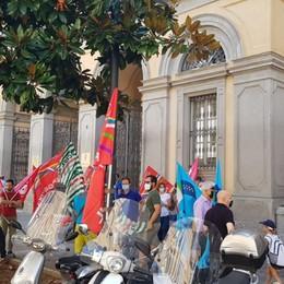 «Il governo cambi il Codice degli Appalti», presidio dei sindacati a Bergamo