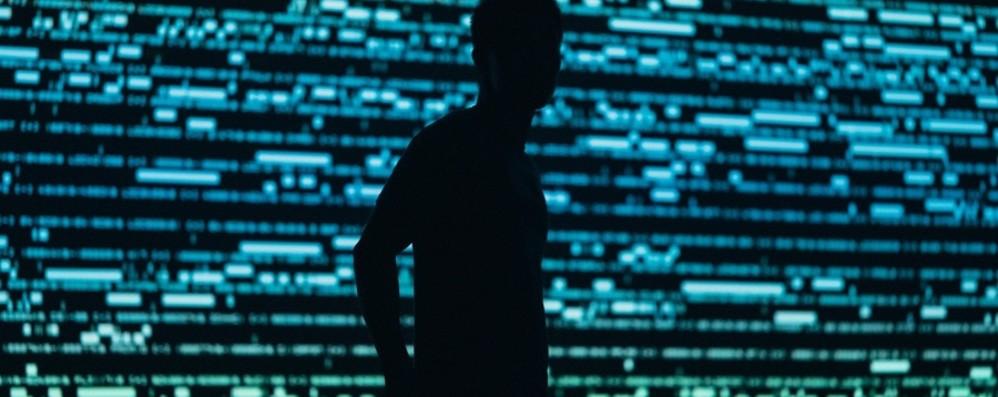 Il mondo fragile e lo spionaggio