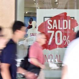 In Lombardia saldi al via dal 3 luglio, critici i commercianti
