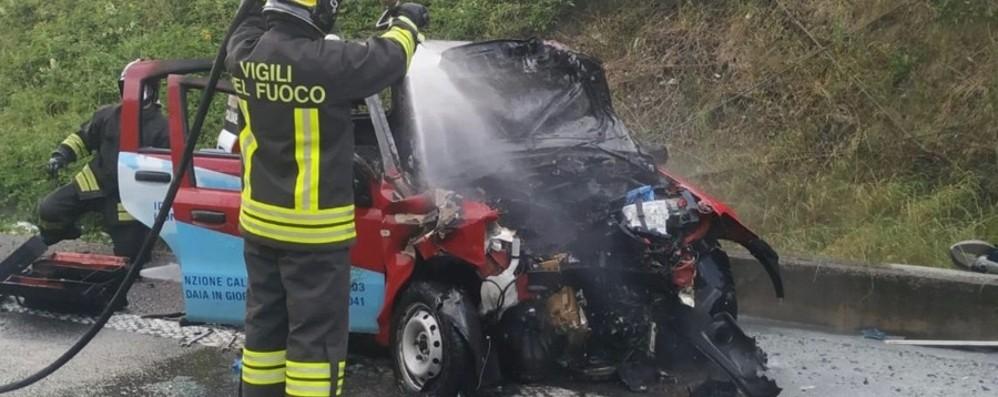 Mapello, scontro tra un'auto e un furgone Morto idraulico alla guida di una Panda