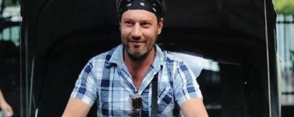 Morto nello schianto in moto, lacrime a Mozzo per Michele: «Buono e generoso»