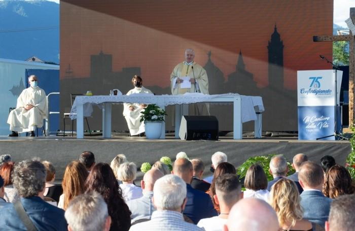 Il vescovo Francesco Beschi ha presieduto la Messa sul piazzale della Fiera