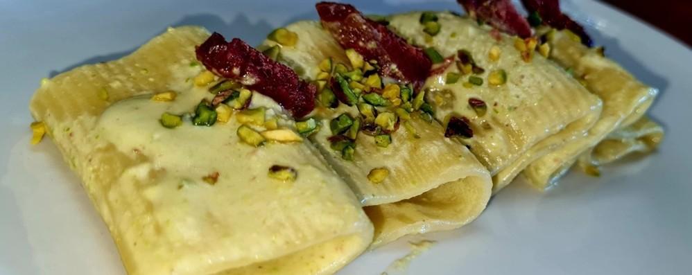 Paccheri di stracciatella e pistacchi: che bontà