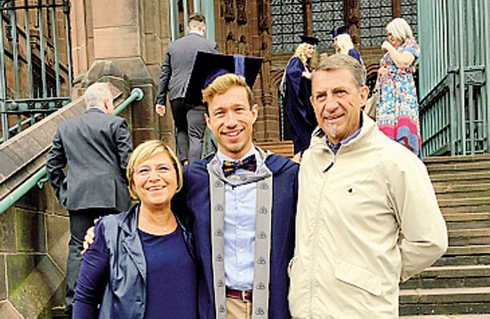 Con i genitori nel giorno della laurea