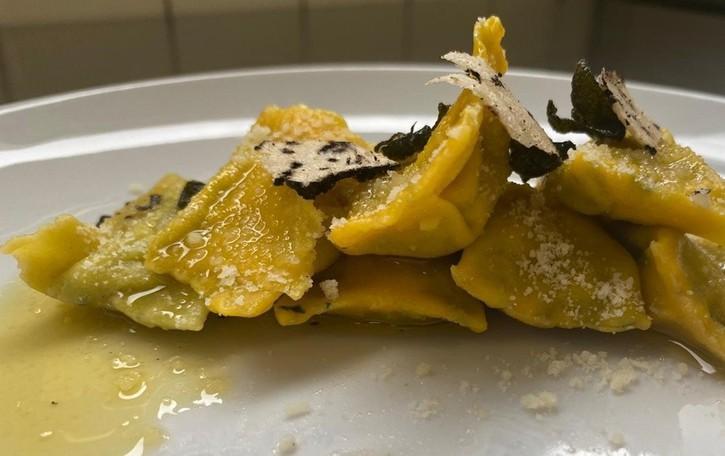 Ravioli di borragine con tartufo di Bracca