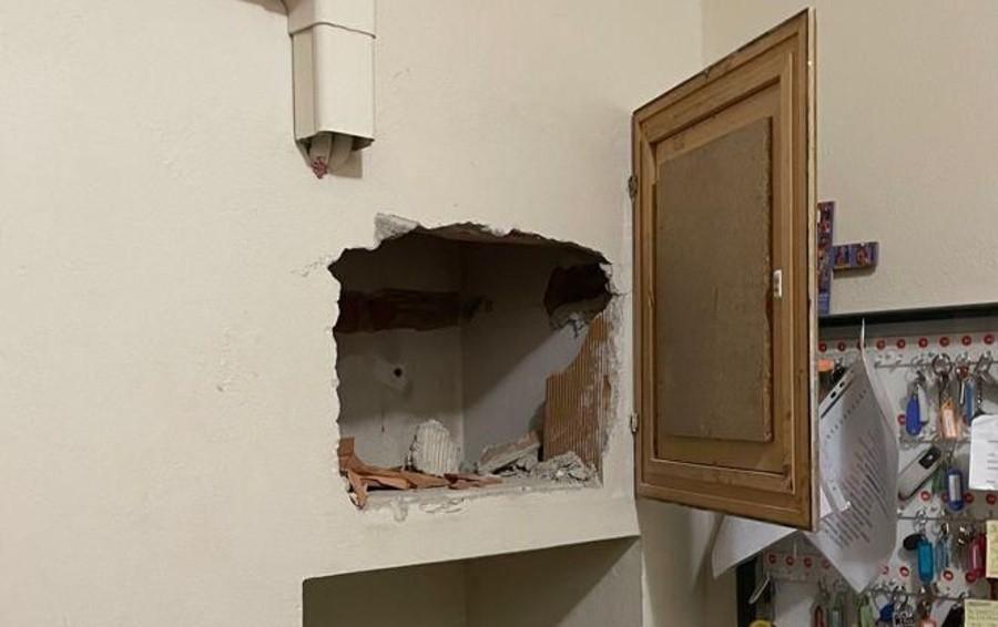 Romano, ladri in un'agenzia immobiliare: smurata la cassaforte